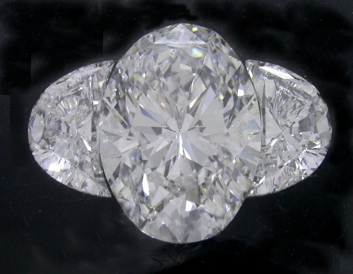 Oval Diamond 2.05 carats 1.41 ratio with 0.71 tcw Crescent Half Moons