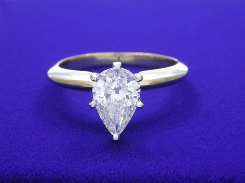 Pear Shaped Diamond Ring: 1.04 carat with 1.52 ratio in 6-prong mounting