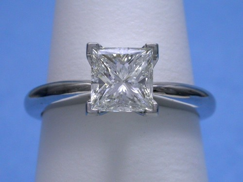 Princess Cut Diamond Ring: 1.11 carat Solitaire style mounting