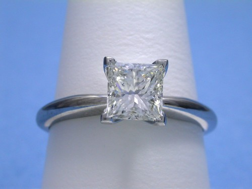 Princess Cut Diamond Ring: 1.23 carat Solitaire style mounting