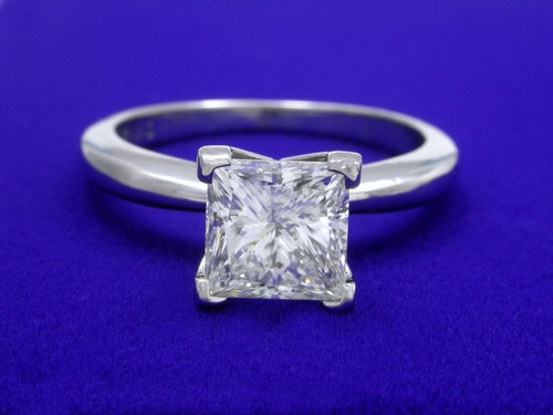 Princess Cut Diamond Ring: 1.36 carat in Solitaire syle solitaire mounting