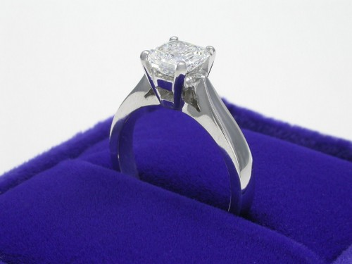 Radiant Cut Diamond Ring: 1.02 carat with Ingwer cathedral style mounting