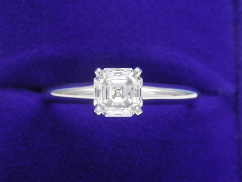 Asscher Cut Diamond Ring: 0.83 carat in Solitaire style mounting