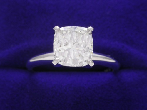 Cushion Cut Diamond Ring: 1.52 carat ratio 1.06 in Solitaire style mounting
