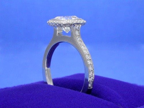 Cushion Cut Diamond Ring: 1.71 Carats 1.01 Ratio Bez Ambar Mounting